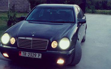 Mercedes-Benz_Eclass_210#220_Cdi